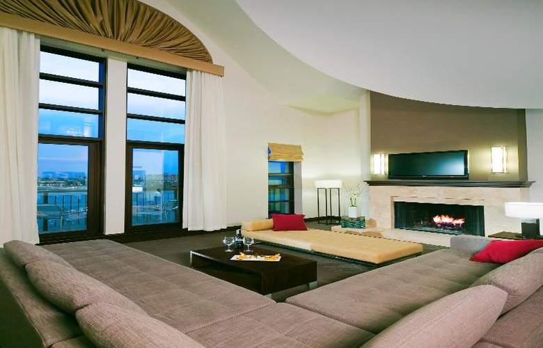 Delta Victoria Ocean Pointe Resort & Spa - Room - 12