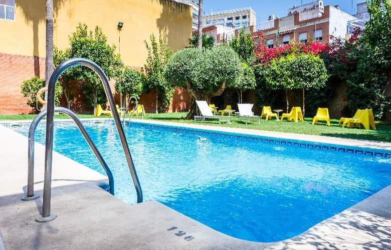 AACR Monteolivos - Pool - 15