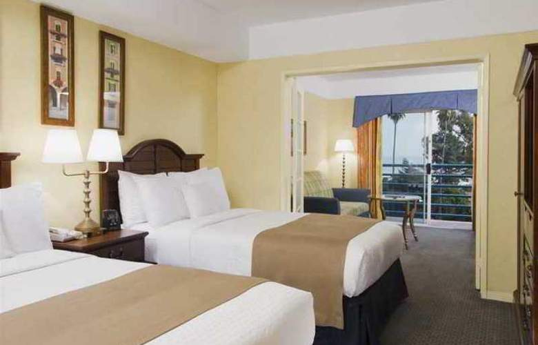 DoubleTree Suites by Hilton Hotel Doheny Beach - Hotel - 9