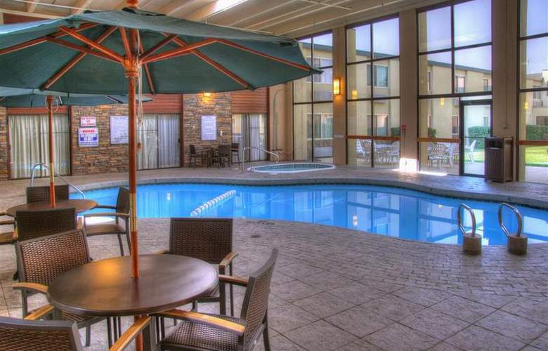 Best Western Plus Grantree Inn - Pool - 104