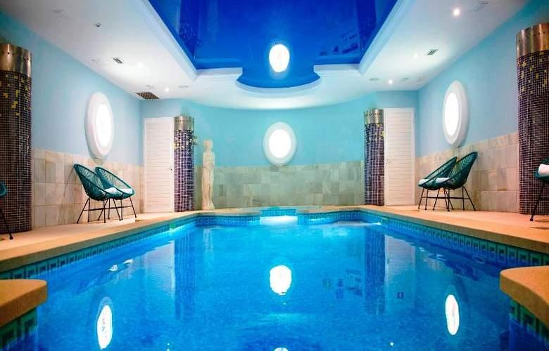La Pergola Aparthotel - Pool - 52