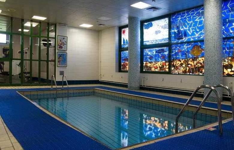 Holiday Inn Vinogradovo - Pool - 5