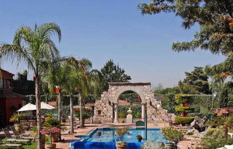 Villa San Jose Hotel & Suites - Pool - 8