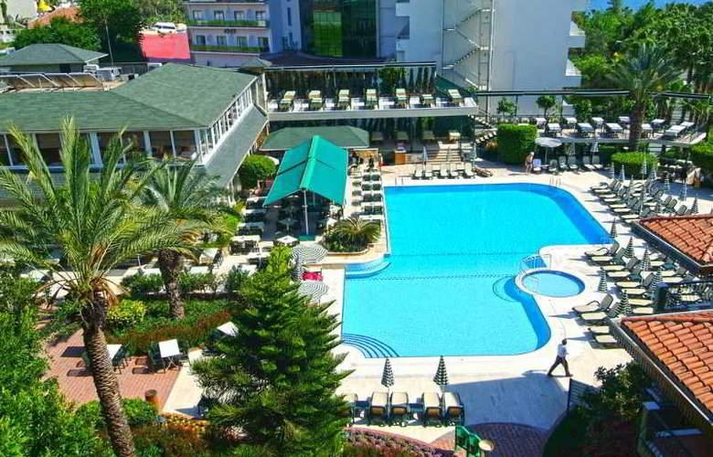 Gardenia Beach - Pool - 8