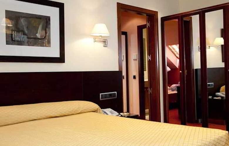 Sercotel San Juan de los Reyes - Room - 12