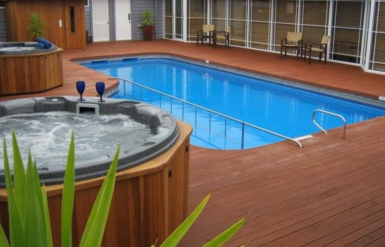 Amora Lake Resort Okawa Bay - Pool - 0