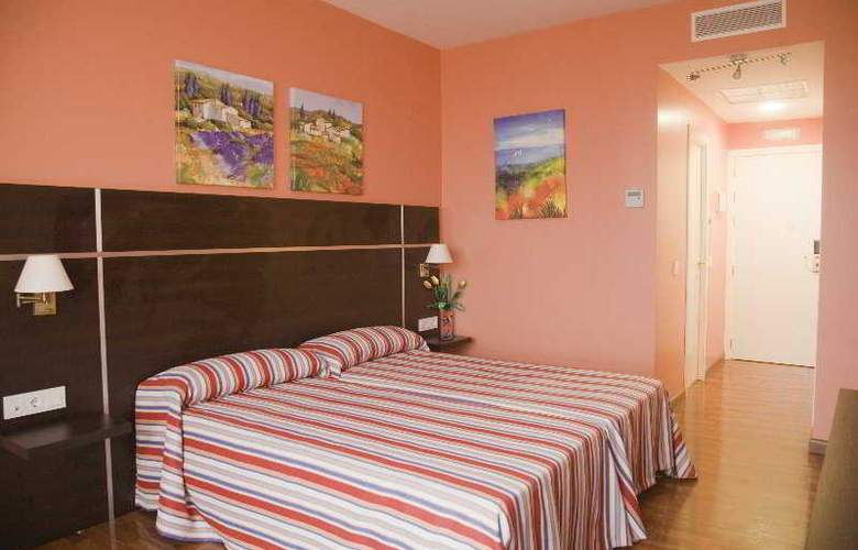 Monterrey Costa - Room - 0