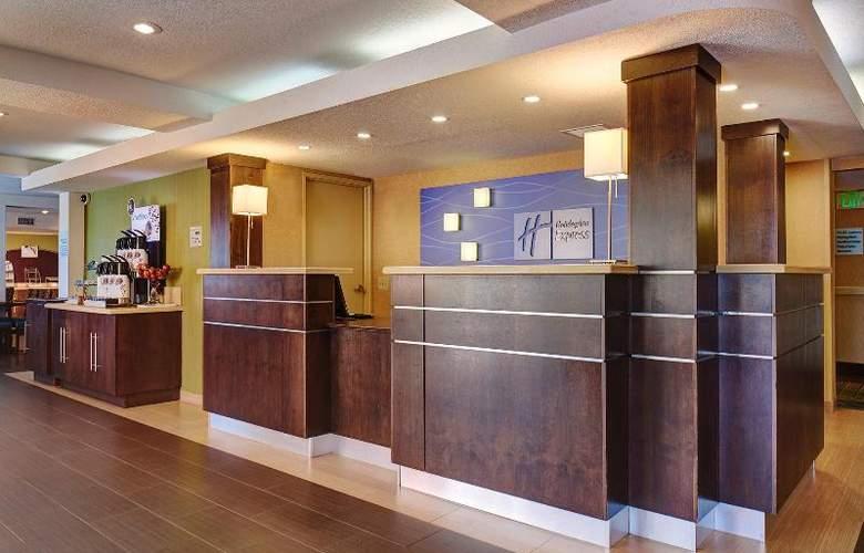 Holiday Inn Express San Diego South Bay - Hotel - 1