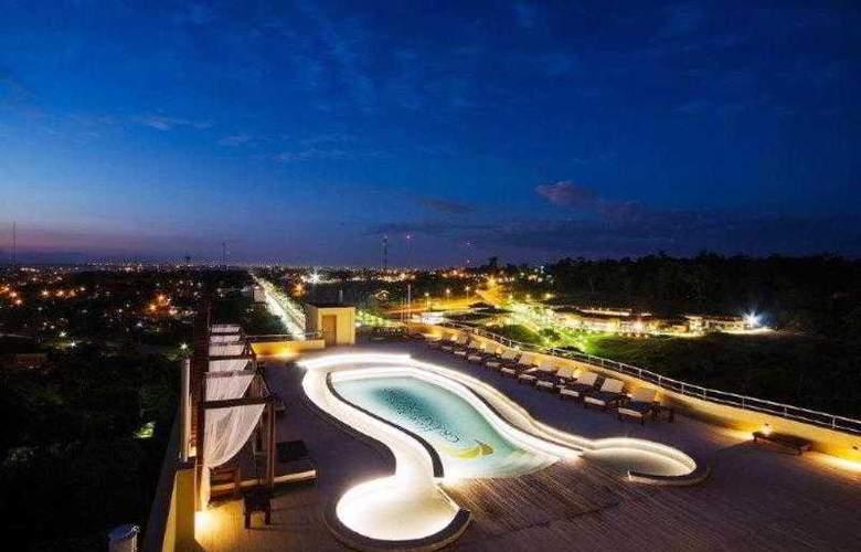 Grand Crucero Hotel - Pool - 1