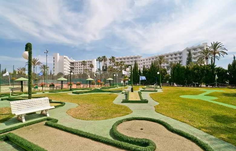 Eix Lagotel Hotel y apartamentos - Sport - 31
