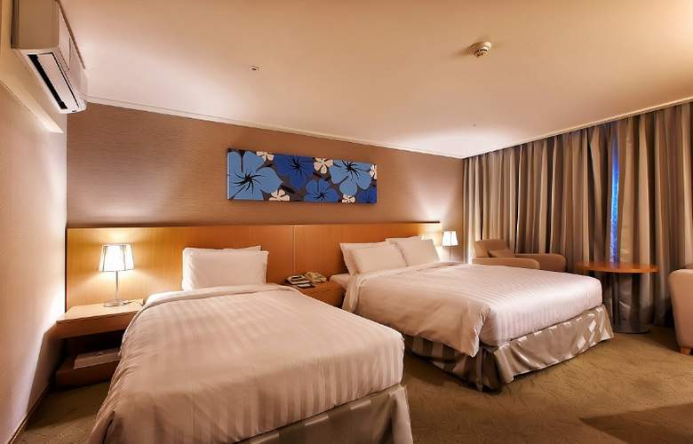 Best Western Incheon Airport - Room - 12