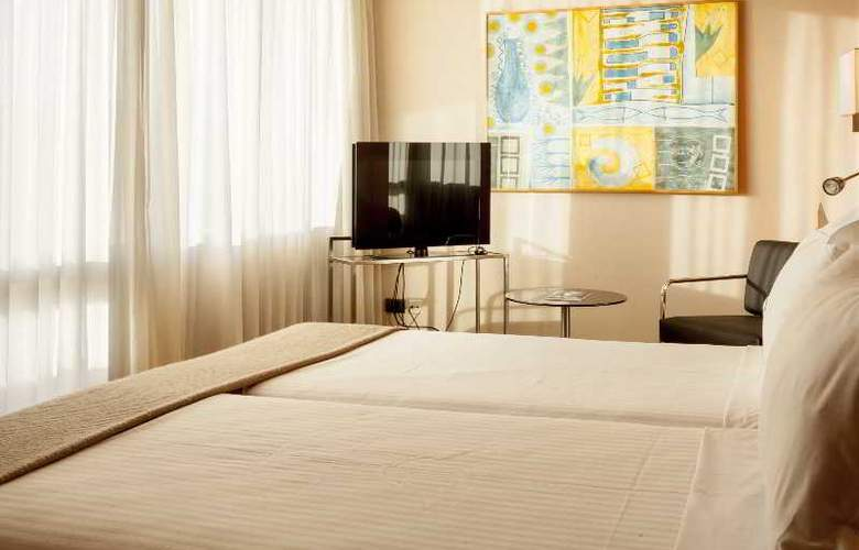 Ac Malaga Palacio - Room - 14