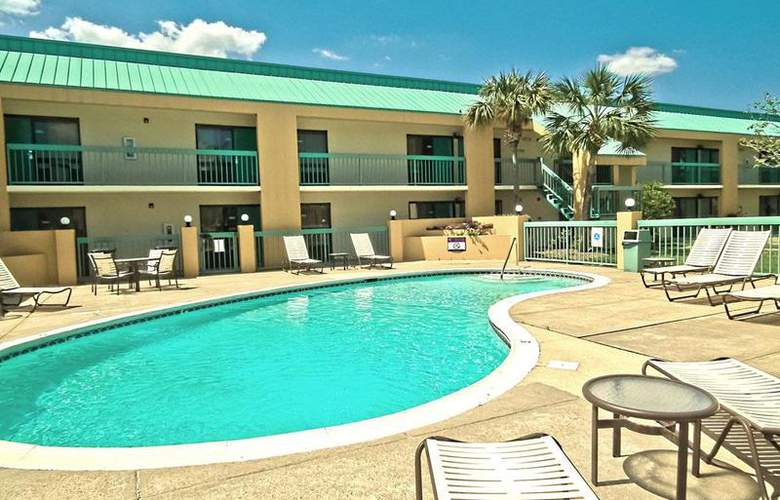 Best Western Flagship Inn - Pool - 53