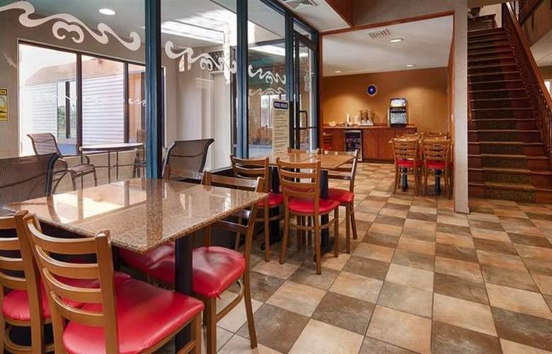 Best Western Dunkirk & Fredonia Inn - Restaurant - 29