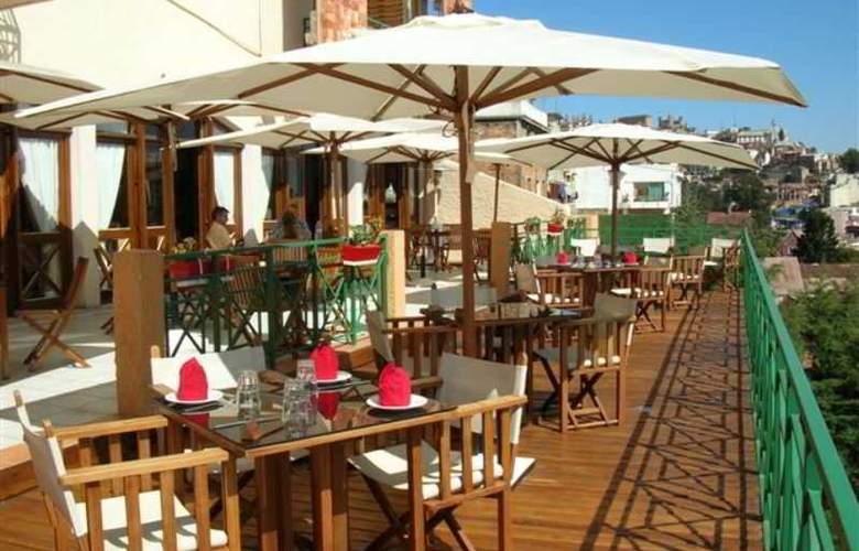 Palissandre Hotel et Spa - Terrace - 3