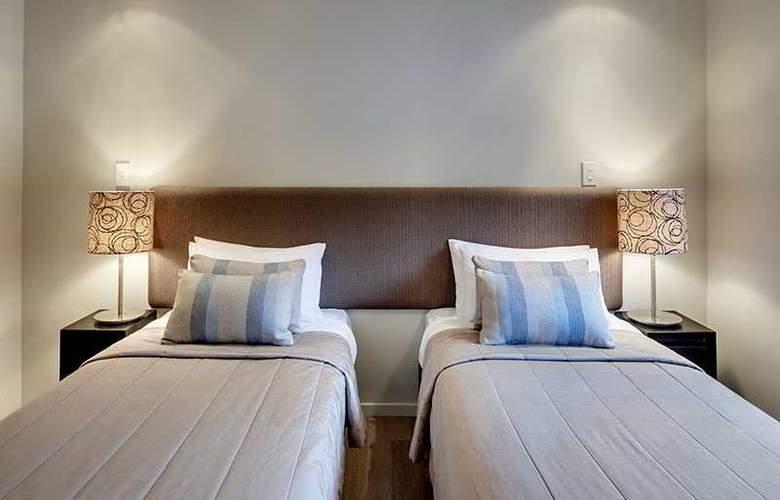 Sea Spray Suites - Room - 18