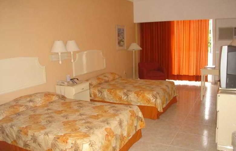 Playa Paraiso - Room - 3