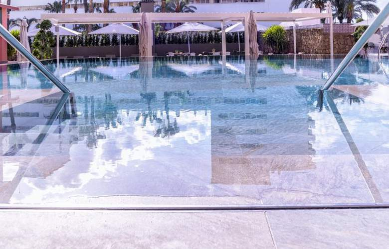 Fénix Torremolinos - Pool - 24