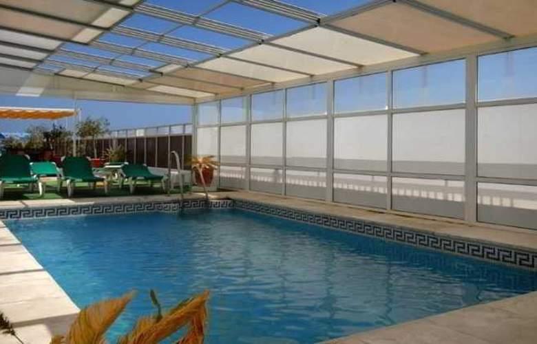 Monarque El Rodeo - Hotel - 3