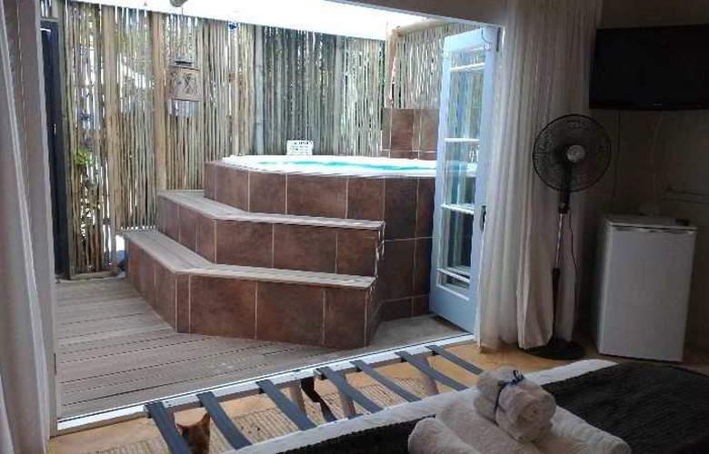 La Boheme Bed and Breakfast - Room - 17