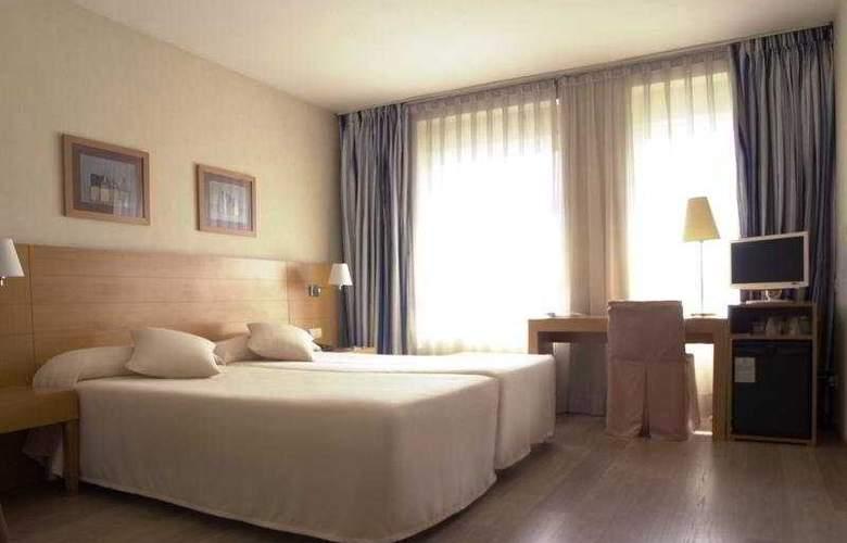 Infanta Mercedes - Room - 4