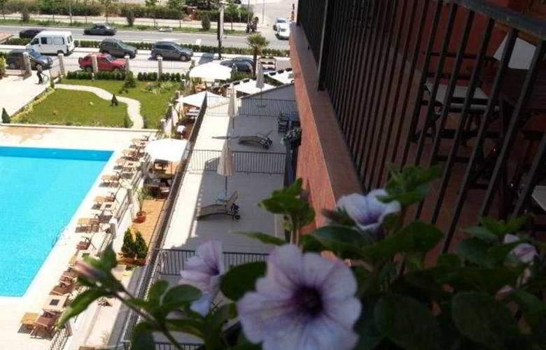 Sun Hotel - Pool - 7