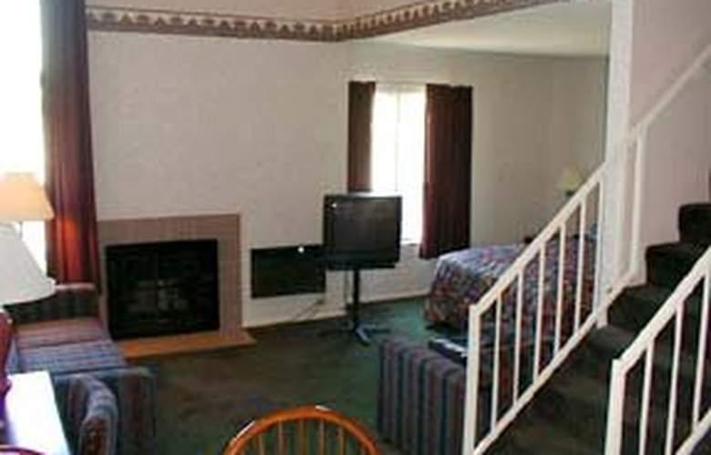 Comfort Inn & Suites Near Home Depot Center - Room - 1