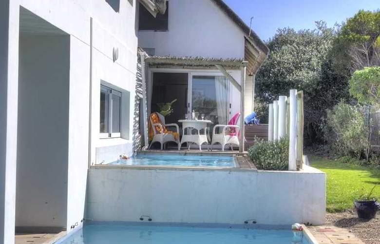 Cape St Francis Resort - Pool - 26