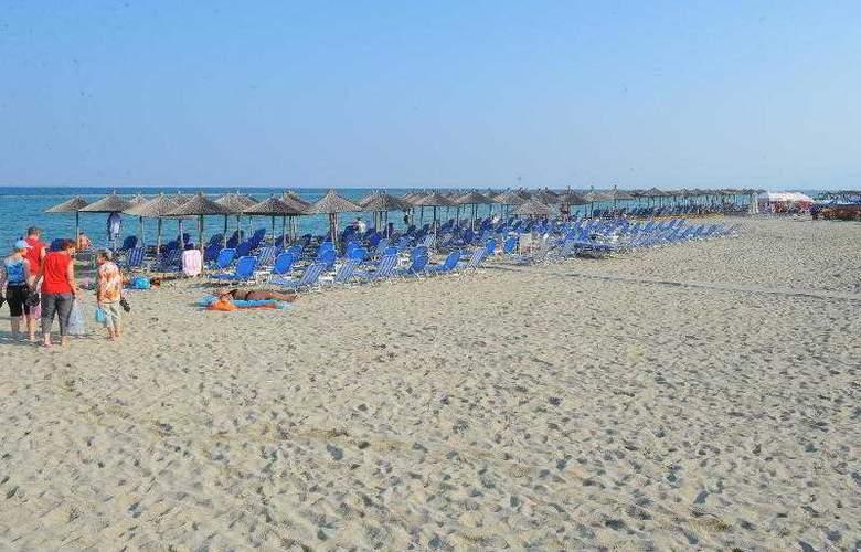 Platon Beach Palace - Beach - 13