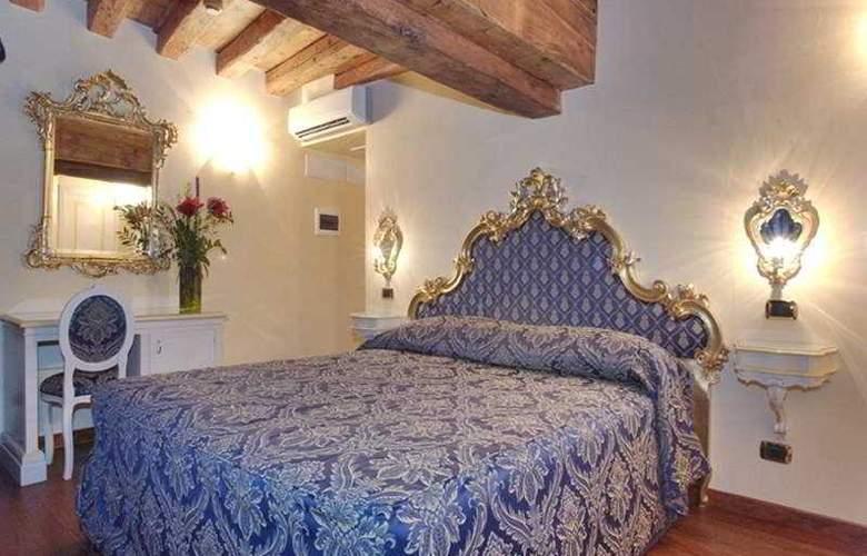 Vecellio - Room - 3