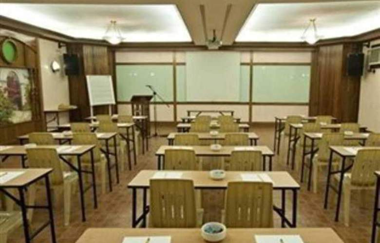 Pinoy Pamilya Hotel - Conference - 1