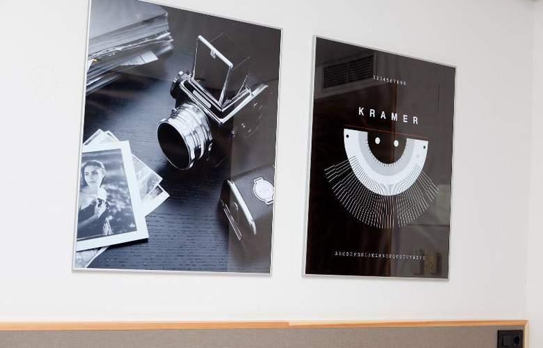 Kramer - Room - 24