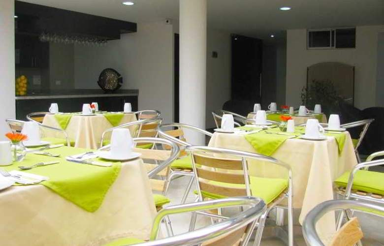 Regency Suites - Restaurant - 9