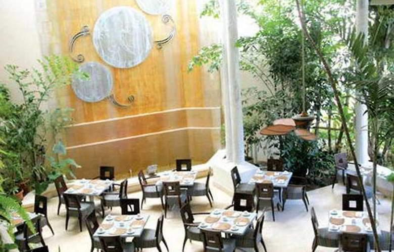 Turtle Beach - Restaurant - 4