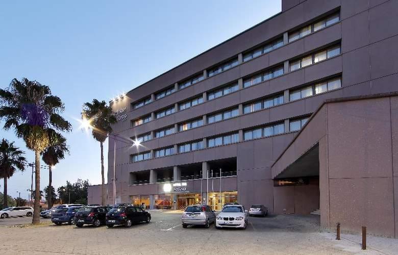 Exe Isla Cartuja - Hotel - 0