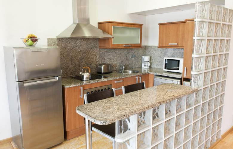 MH Apartments Sagrada Familia - Room - 2