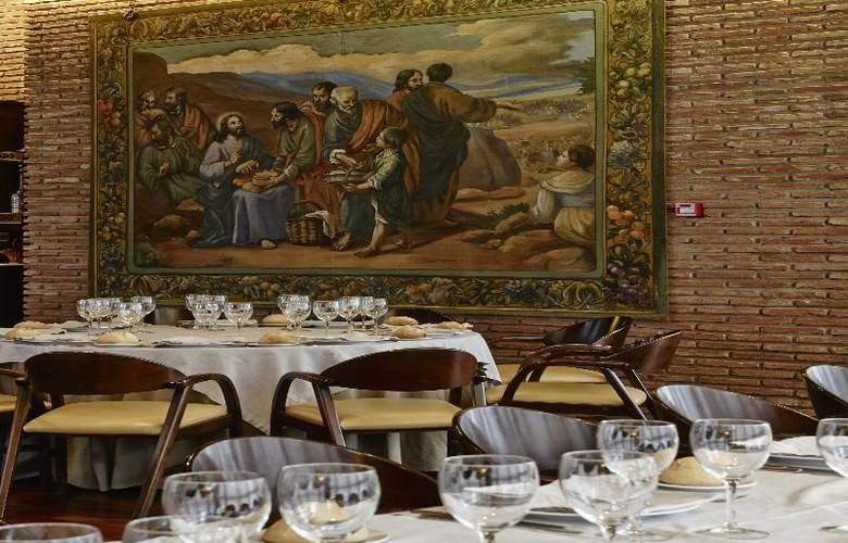 Carris Alfonso IX - Restaurant - 20