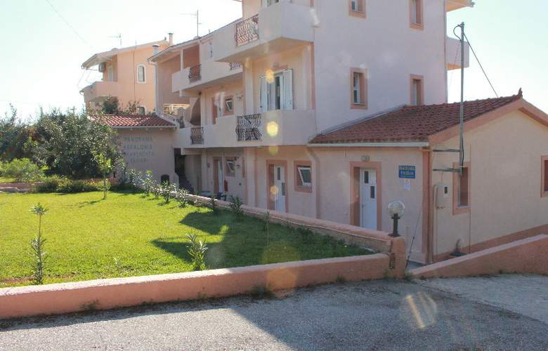 Panorama Fanari Studios & Apartments - Hotel - 3