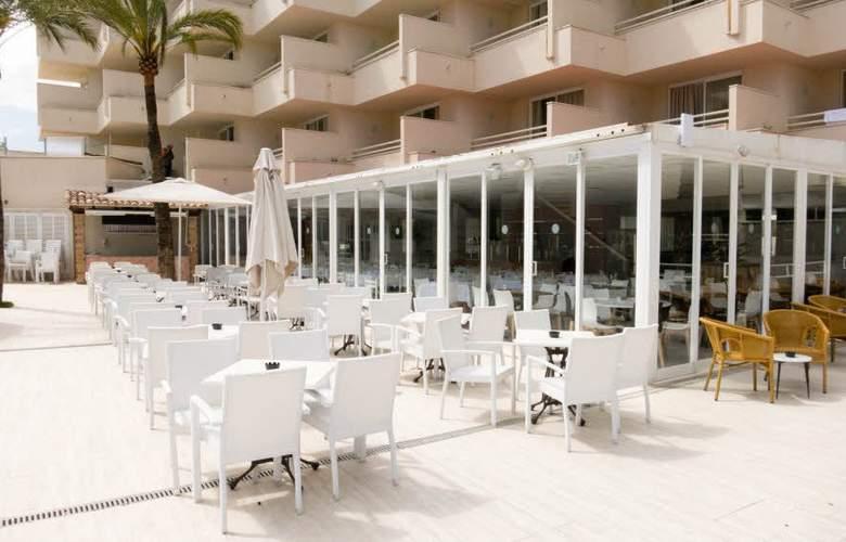 Globales Cala Bona Suites - Terrace - 6