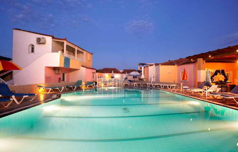 Marietta Hotel Apartments - Hotel - 0