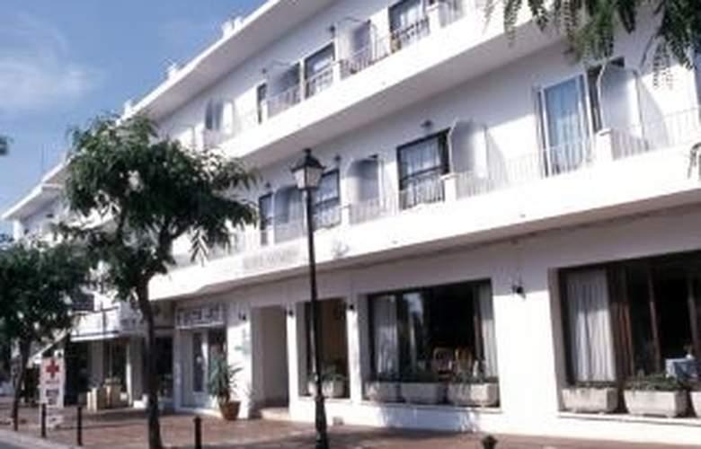 Antares - Hotel - 0