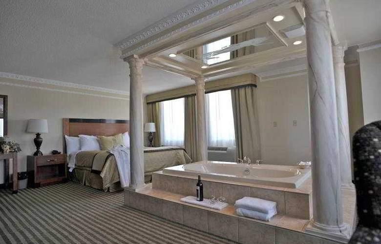 Monte Carlo Inn Barrie Suites - Room - 5