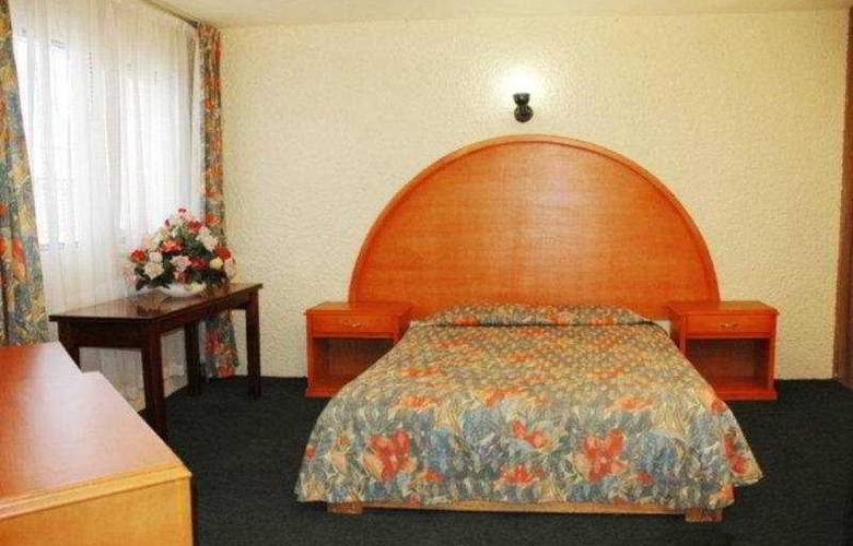 Villa del Sol and Suites - Room - 3