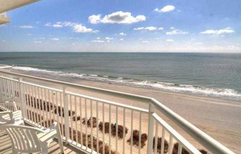 Carolinian Beach Resort - Hotel - 8