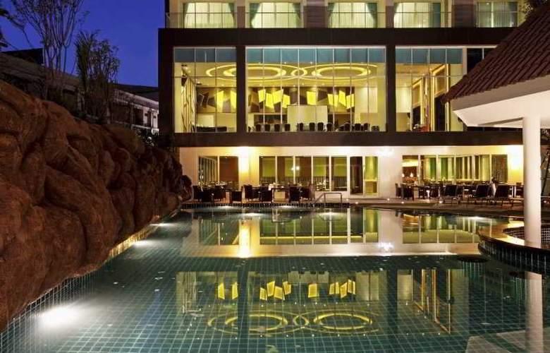 Centara Pattaya Resort - Pool - 16