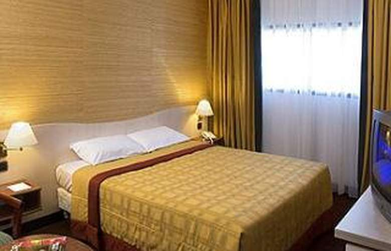 Mercure Orly Aeroport - Room - 8