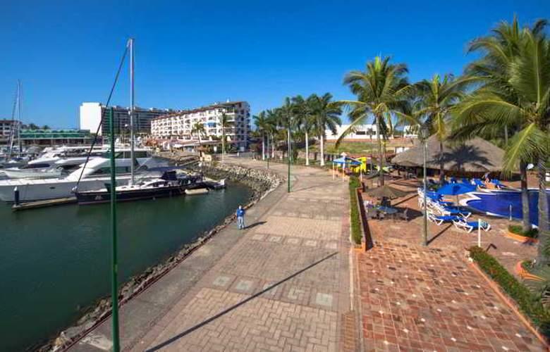 Flamingo Vallarta Hotel & Marina - Hotel - 4