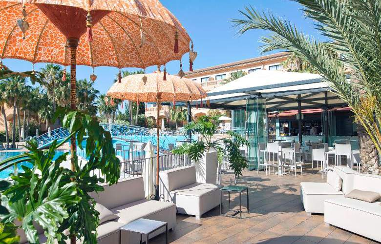 Mon Port Hotel Spa - Terrace - 211
