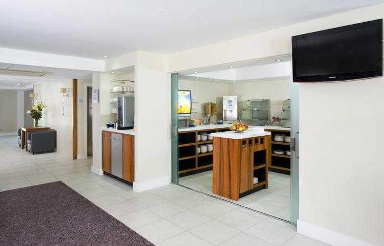 Holiday Inn Express Gatwick Crawley - General - 2