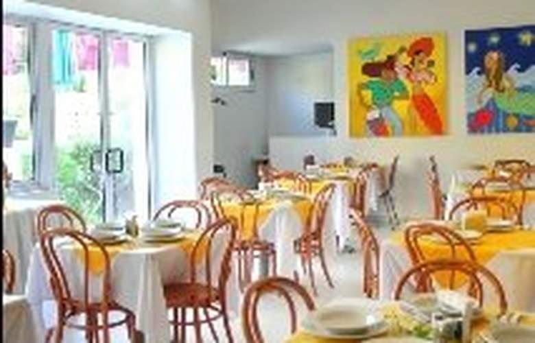 Comfort Inn Monterrey - Restaurant - 2